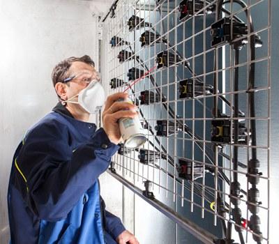 Wartung und Reinigung einer zentralen Luftbefeuchtungseinricchtung